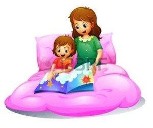 maman-et-enfant-assis-sur-un-lit